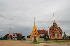 Tempel en stupa in Wat Sena Nimit Royalty-vrije Stock Foto's