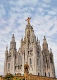 Tempel Expiatori del Sagrat Cor på toppmöte av monteringen Tibidabo, Barcelona royaltyfria bilder