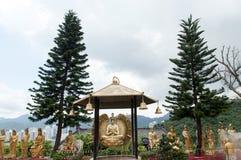 tempel för 10000 buddhas Arkivfoton