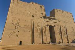 tempel för horus för edfuegypt gud Arkivbilder