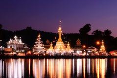 tempel för jongklangsolnedgång Royaltyfri Foto