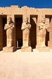 tempel för karnakpharaohstatyer Royaltyfri Fotografi