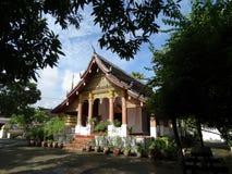 tempel för laos luangprabang Arkivfoton