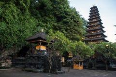 Tempel för Pura Goa Lawah slagträgrotta royaltyfri fotografi