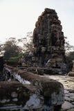 tempel för statyer för angkorcambodia khmer arkivfoto