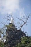 TEMPEL FÖR THAILAND CHIANG RAI MAE SAI APAGROTTA Arkivbilder