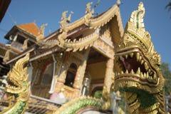 TEMPEL FÖR THAILAND LAMPANG WAT CHEDI SAOLANG Arkivbilder