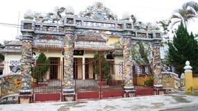 tempel för ton för porsliningångsport till vietnam Arkivfoto