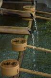 Tempel - fließendes Wasser Stockbilder