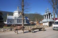 Tempel in het dorp van Hutsul stock fotografie