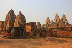 Tempel i Angkor Wat område royaltyfri foto