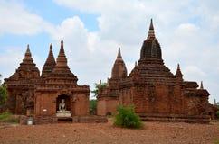 Tempel i Bagan Archaeological Zone på Myanmar Royaltyfri Foto