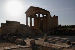 Tempel i den forntida staden av Dougga, Tunisien Fotografering för Bildbyråer