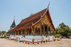 Tempel i luangprabang Arkivfoto