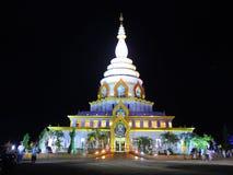 Tempel i natten Arkivfoto
