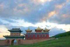 Tempel i solnedgång Arkivbild