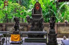 Tempel im Affe-Wald in Ubud, Bali Lizenzfreie Stockbilder