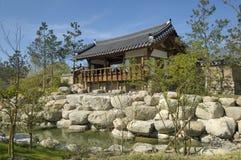 Tempel im koreanischen Garten Lizenzfreies Stockbild