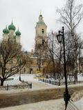 Tempel im Winter lizenzfreie stockbilder