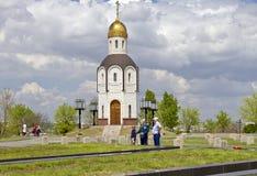 Tempel-kapellet i hedern av den Vladimir symbolen av modern av Arkivfoton