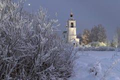 Tempel, Kathedrale, Kreuz, Orthodoxie, Ikonen, Haube, Winter, Schnee stockfotografie