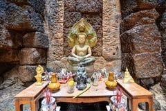 Tempel met het antieke schilderen over wet van karma sinds jaar 1928 Royalty-vrije Stock Foto's
