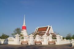 Tempel met pagode en ubosot Stock Foto