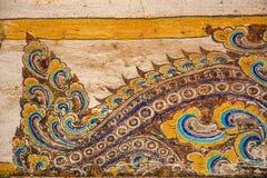 Tempel mit antiker Malerei über Gesetz des Karmas seit Jahr 1928 Lizenzfreies Stockbild