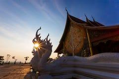 Tempel mit Sonnenuntergang Stockfotos
