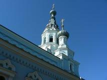 Tempel mot sidosikten för blå himmel Royaltyfri Foto