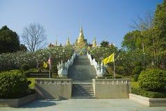 Tempel op de berg stock afbeelding