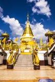 Tempel op de berg van Khao Takeab in Thailand Royalty-vrije Stock Afbeeldingen