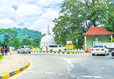 Tempel op het kruispunt royalty-vrije stock afbeelding