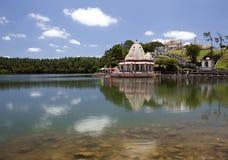 Tempel op meer Grandee Bassin op Mauritius Stock Afbeeldingen