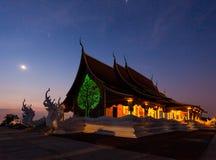 tempel på natten Arkivfoto