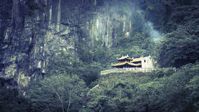 Tempel. Phong Na royaltyfri foto