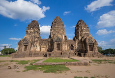 Tempel Phra Prang Sam Yot, Architektur in Lopburi, Thailand Stockbild