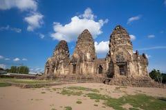 Tempel Phra Prang Sam Yot, Architektur in Lopburi, Thailand Lizenzfreies Stockfoto