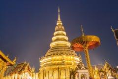 Tempel Phra som Hariphunchai Royaltyfri Foto
