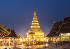 Tempel Phra som Hariphunchai i Lamphum, landskap Chang Mai, Th Arkivbilder