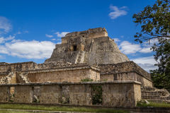 Tempel Pyramide in Uxmal - Oude Maya Architecture Archeological Site Yucatan, Mexico Stock Foto