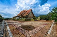 Tempel Sirindhorn Wararam artistieke Phuproud, Thailand, openbare pl Stock Afbeeldingen