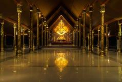 Tempel Sirindhorn Wararam Phuproud som är konstnärlig, Thailand, offentlig pl Arkivfoto