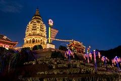 Tempel som tänds upp för kinesiskt nytt år Royaltyfri Fotografi