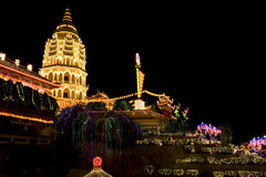 Tempel som tänds upp för kinesiskt nytt år Royaltyfri Foto