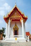 Tempel thailändisches watklang pakthongchai stockbild