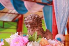 Tempel in Thailand dort ist ein schöner Buddha Antikes Holzschnitzen Wat Thai Samakkhi, Mae Sot District, Tak Province Lizenzfreie Stockfotografie