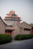 Tempel und Rowhouses Stockbild