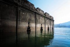 tempel under vatten Arkivbild