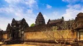 Tempel unter blauem Himmel Lizenzfreies Stockfoto
